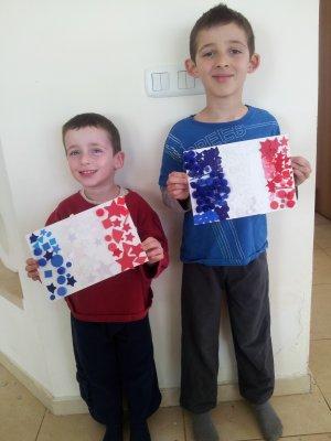 קייטנת אמא לפסח: יום פעילות על פריז ומגדל אייפל, הבלוג עפיפונים